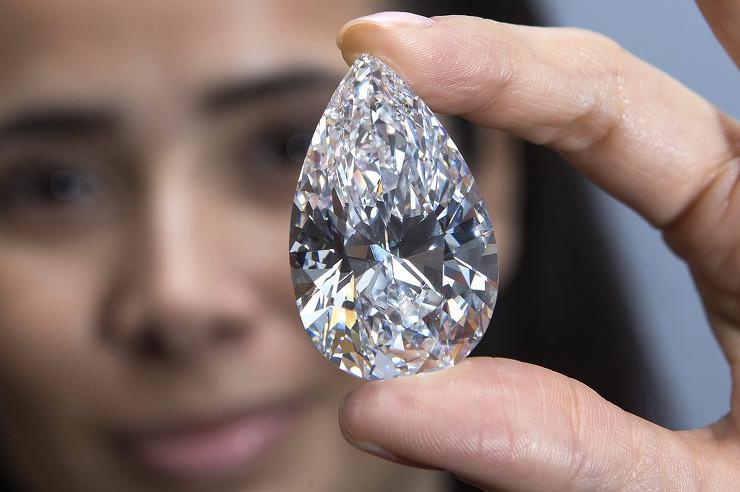 Наследие Уинстона - самый крупный бриллиант, выставлявшийся на торги. фото