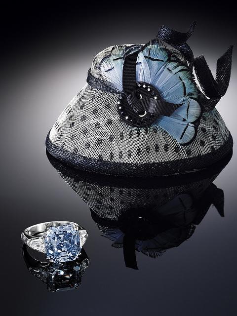 Самые дорогие бриллианты в мире: Фантазийный ярко-голубой. фото