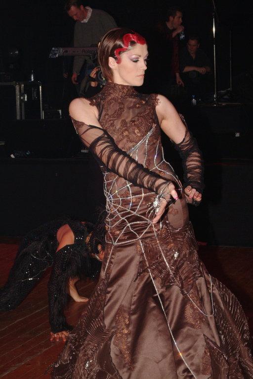 дорогое платье от Nicky Vankets