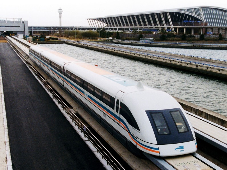 ����� ������� ���������� ����� � ����� Shanghai Maglev Train. ����