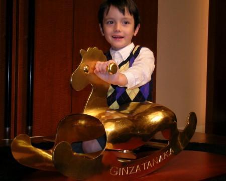 самая дорогая игрушечная лошадка. фото