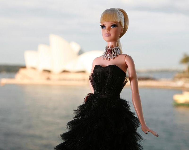 самая дорогая кукла Барби в мире. фото