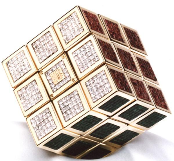 самый дорогой кубик Рубика. фото