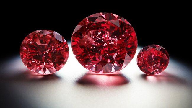 какой самый дорогой драгоценный камень в мире: Красный алмаз
