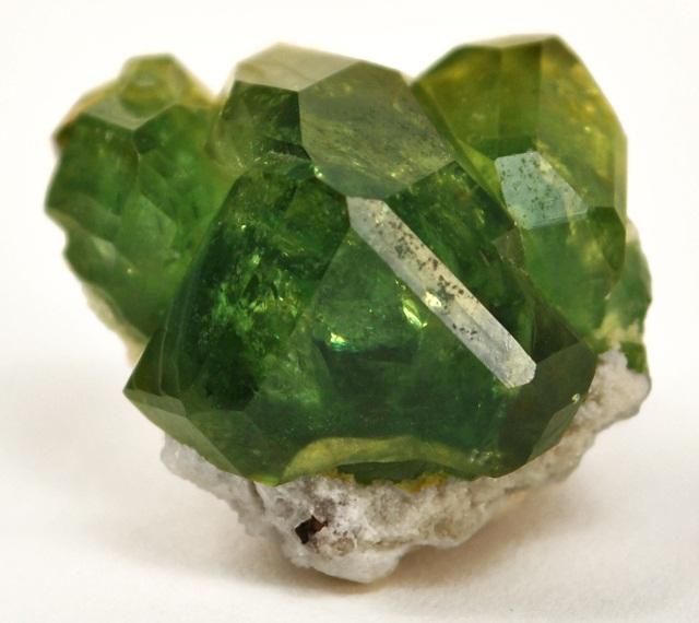 самые дорогие драгоценные камни список: Демантоид