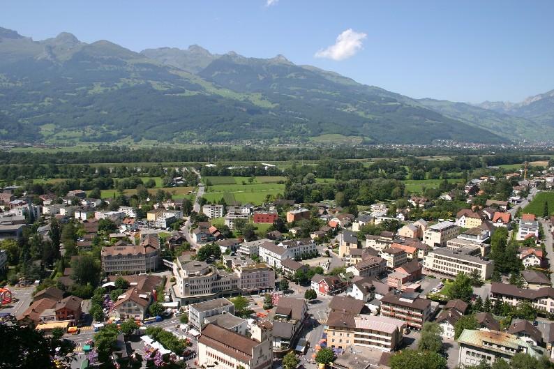 Вадуц - столица княжества Лихтенштейн. Фото