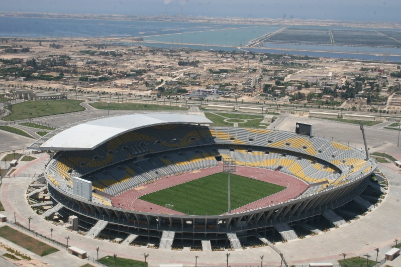 самые большие футбольные стадионы мира: Бурдж аль-Араб. Фото / Borg El Arab Stadium. Photo