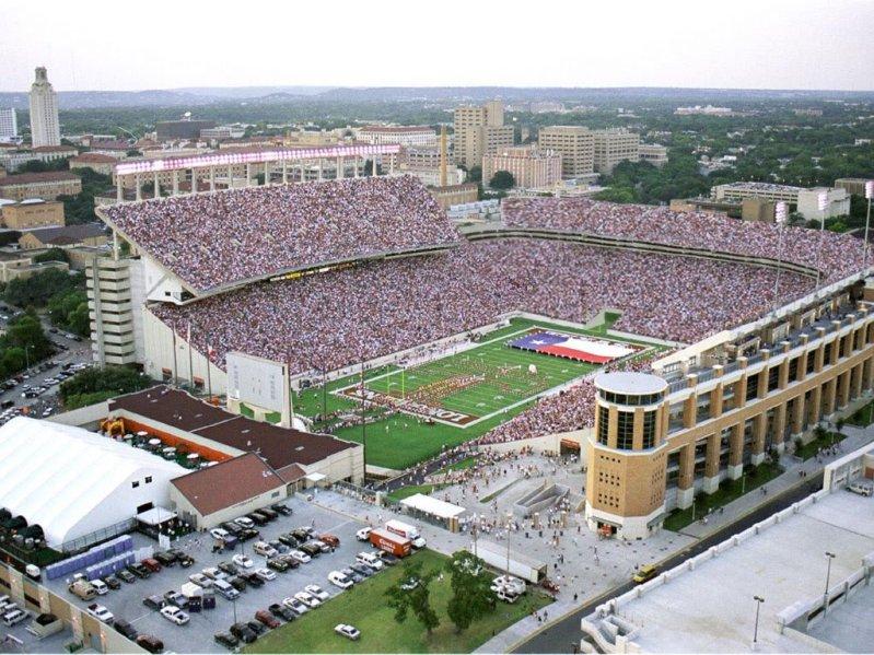 Даррелл Роял / Darrell K Royal / Техас Мемориал Стэдиум / Texas Memorial Stadium