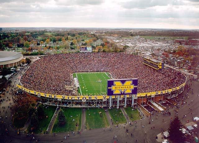 самый большой стадион Америки Мичиган Стэдиум. Фото / Michigan Stadium. Photo
