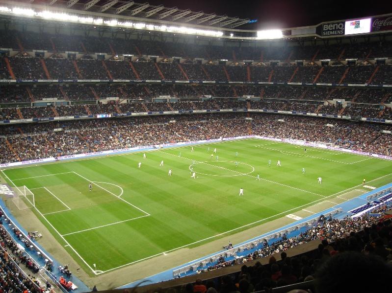 самые большие футбольные стадионы мира: Сантьяго Бернабеу. Фото / Estadio Santiago Bernabéu. Photo