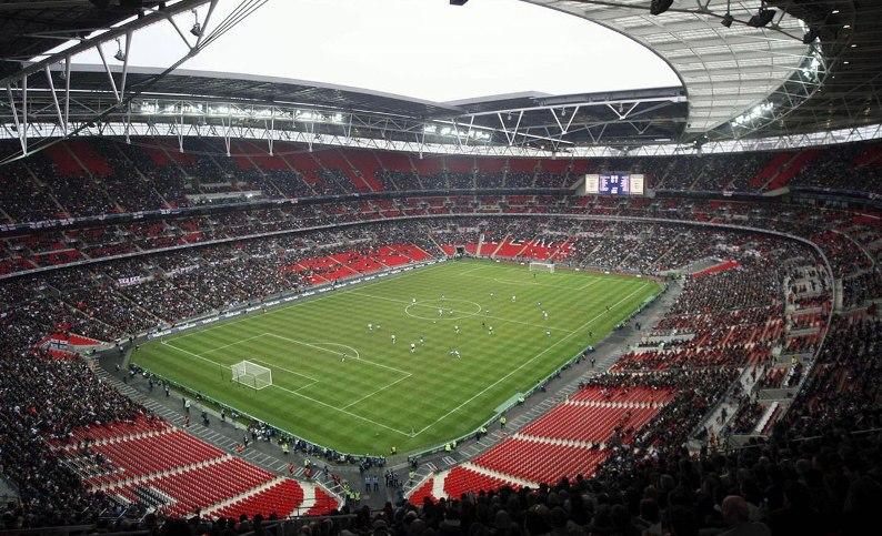 самый большой стадион Англии - Уэмбли. Фото / Wembley Stadium. Photo